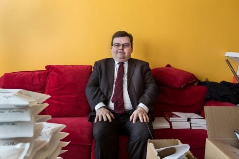Jérome Bourbon, directeur de Rivarol, un hebdomadaire d'extrême droite. Portait pour StreetPress.
