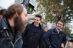 16 octobre 2015, Paris (75). Les militants du cercle de l'Action Française de Paris reviennent de la vente du journal l'Action Française 2000 devant l'université Panthéon-Assas. En une heure, 4 journaux ont été vendus, dont 2 à des sympathisants déjà acquis, pour un total de 8 euros.