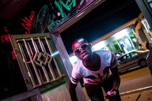 5 décembre 2016, Kigali, RWANDA. Un rappeur à Kigali au Rwanda, quartier Nyamirambo.