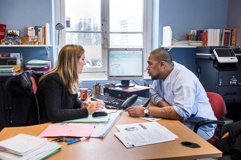 11 janvier 2019. Jérôme a rendez-vous avec l'assistante sociale du service pour préparer son dossier d'admission dans un foyer de vie en Belgique.
