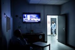 24 septembre 2019. Derniers instants à Sainte-Anne. Loïc va partir en clinique. Il est de retour en pyjama car il a été pris en train de sniffer du poppers à la cafétaria de l'hôpital jusqu'au malaise. Loïc vit aujourd'hui dans une clinique du Nord de la France.