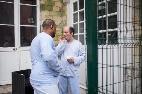 11 janvier 2019. Thomas et Jérôme dans la cour de l'hôpital Sainte-Anne.
