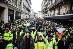 December 8th, 2018, Paris (75), FRANCE. Demonstrators on Arsene Houssaye street, near Champs Elysées, during the demonstration of yellow jackets in Paris. 8 décembre 2018, Paris (75), FRANCE. Manifestants rue Arsène Houssaye lors de la manifestation des gilets jaunes à Paris.